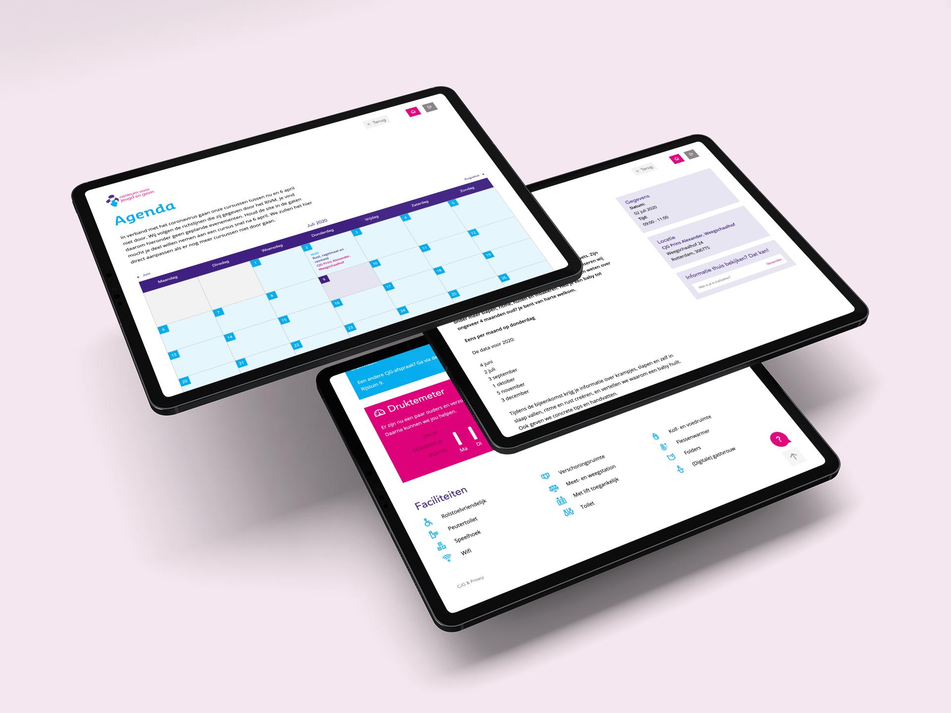 afbeelding drie tablets op roze achtergrond van schermen van website centrum voor jeugd en gezin