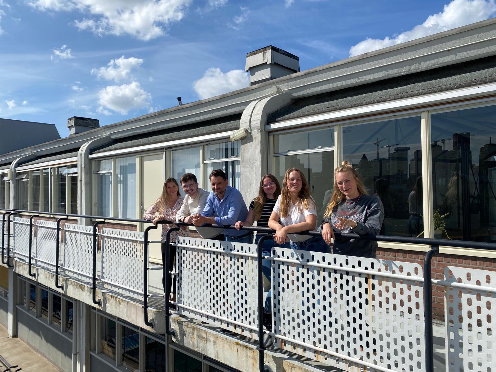 Medewerkers Bubblefish op de 5e verdieping van het Industriegebouw